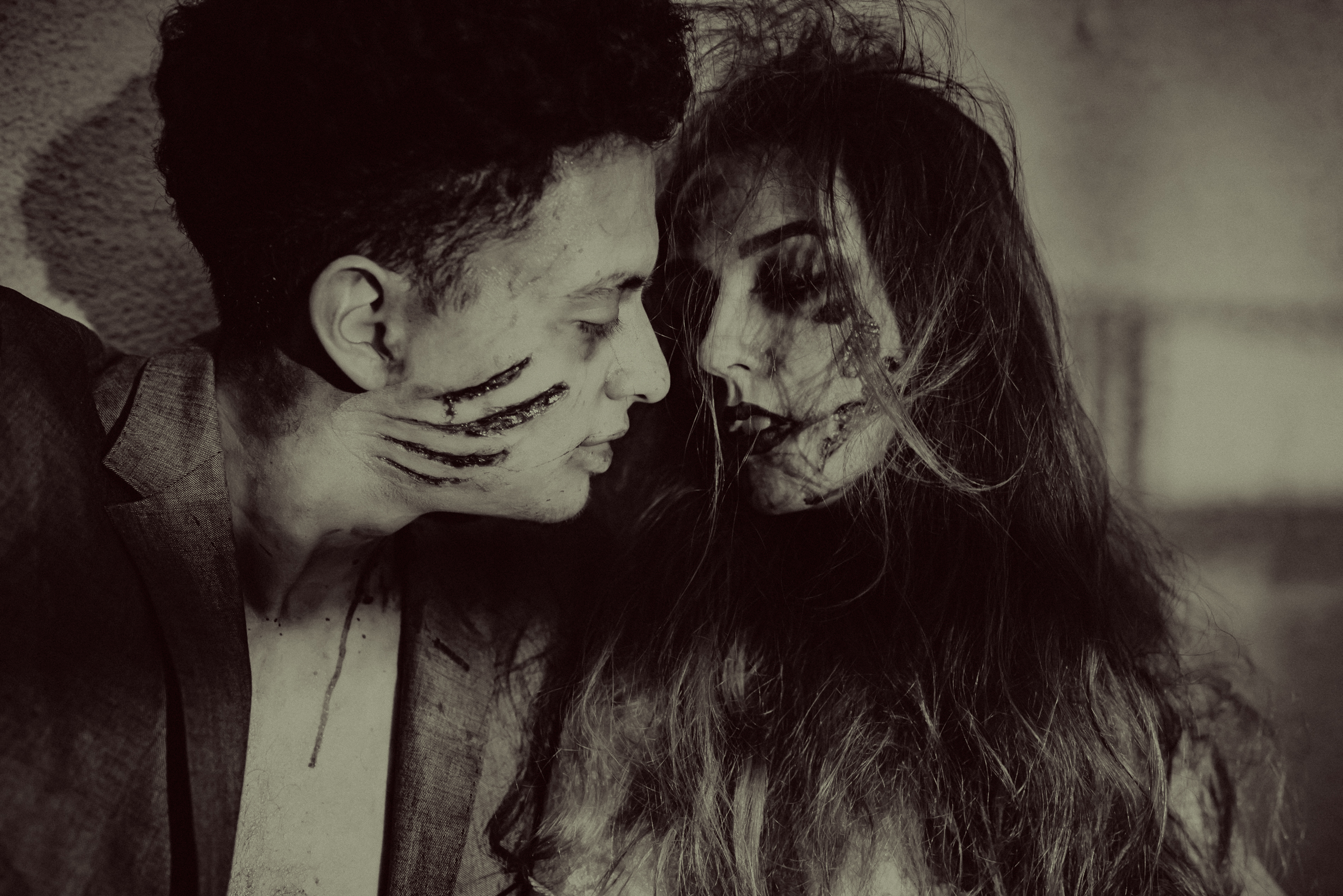 Zombie Bride and Groom Photos | Zombie Love with Destinee +